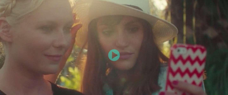 Anti-selfie film met Kirsten Dunst houdt ons spiegel voor