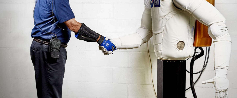Roboglove: gerobotiseerde handschoen van GM en NASA voor de consument