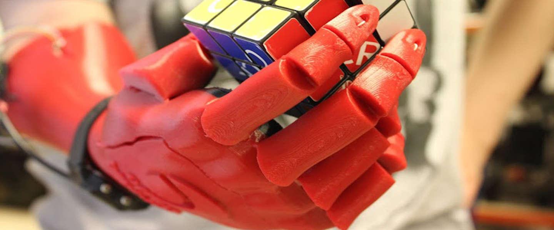 3D-geprinte hand wint James Dyson Award