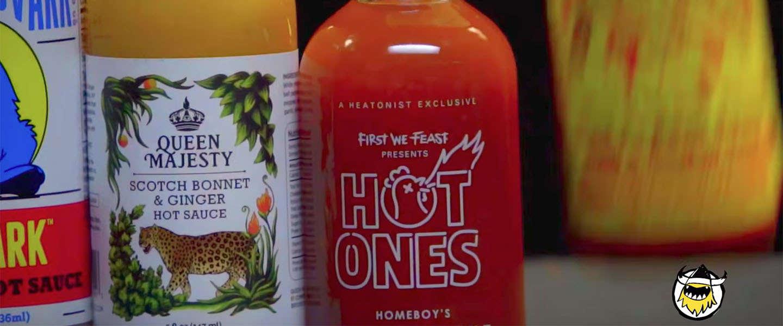 Steve-O schuift aan bij 'Hot Ones'