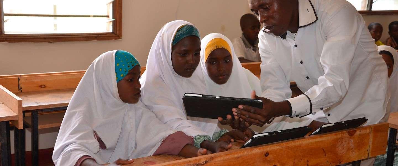 Vodafone Foundation faciliteert onderwijs voor 15.000 jonge vluchtelingen