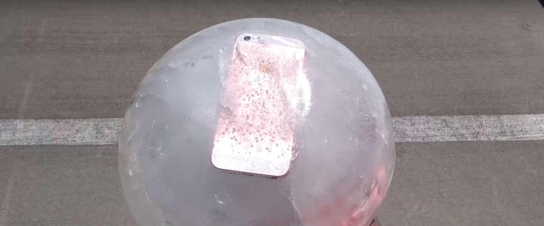 Werkt de iPhone SE nog nadat hij is ingevroren en na een val van 30 meter?