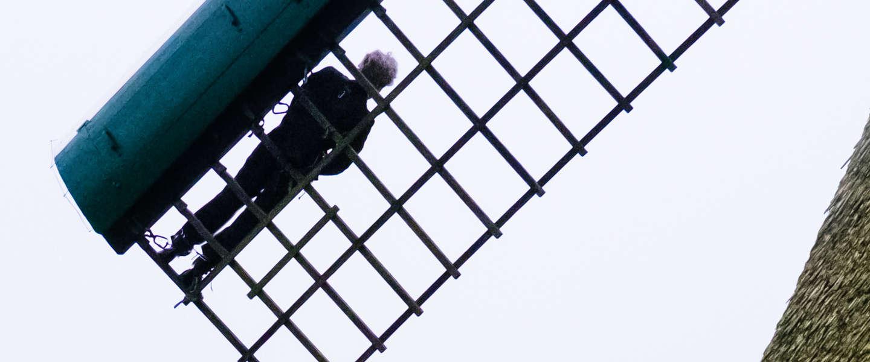 Video: NS rijdt vanaf 1 januari 100% op wind, hangt directeur aan molen