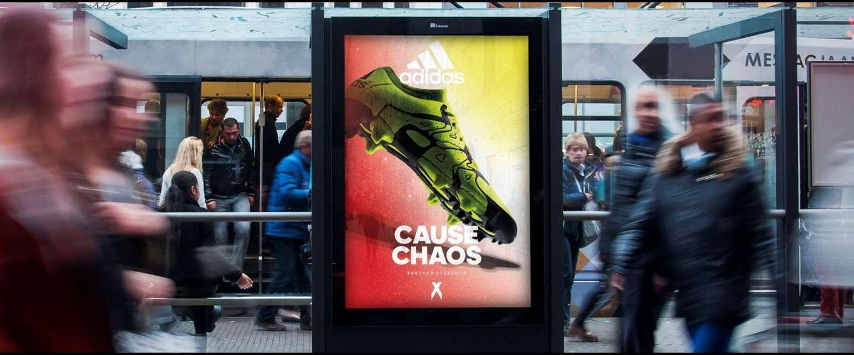 Worden we nu bespied door reclameborden op stations?