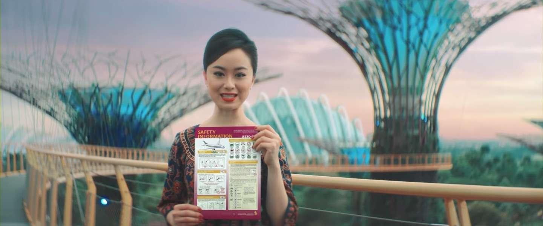 Singapore Airlines komt met een prachtige flight safety video