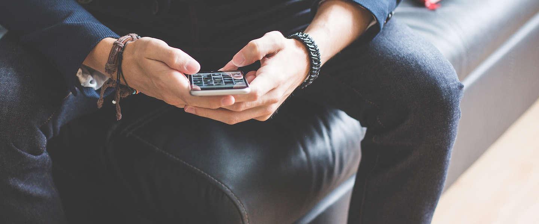 Hoe vaak gebruik jij je telefoon per dag?