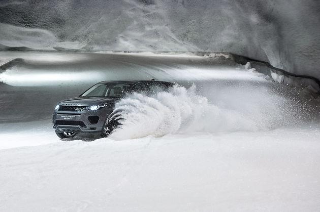 Land-Rover-hores-power-vs-dogpower-4