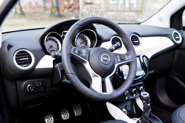 Opel_Adam_Rocks_Riga_blauw_3
