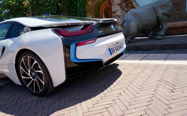 BMW_i8_achterkant