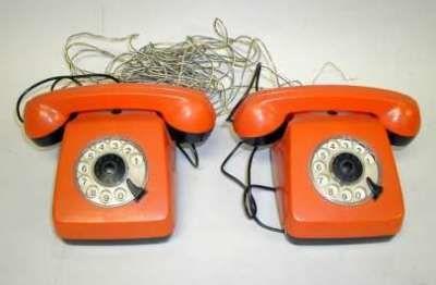 1177937115Oranje-OldSchoolTelefoons
