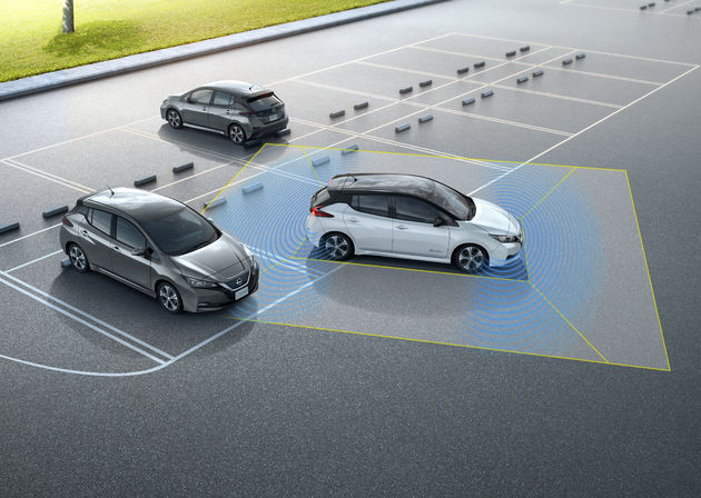 2_Nieuwe-Nissan-LEAF-geeft-elektrisch-rijden-een-nieuwe-lading