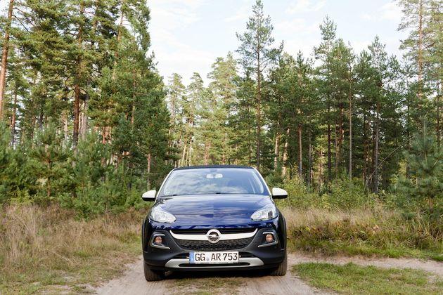 Opel_Adam_Rocks_Riga_front