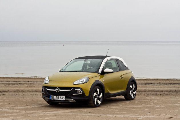 Opel_Adam_Rocks_Riga_beach_2