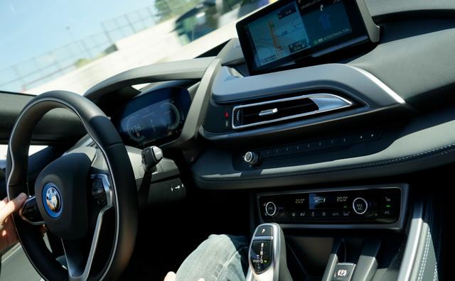 BMW_i8_dashboard