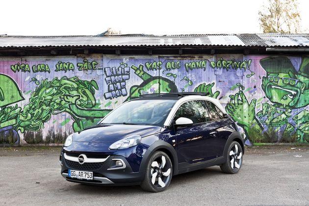 Opel_Adam_Rocks_Riga_blauw