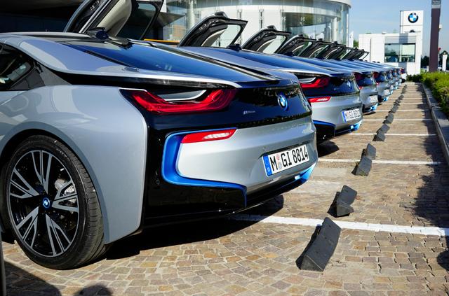 BMW_i8_back