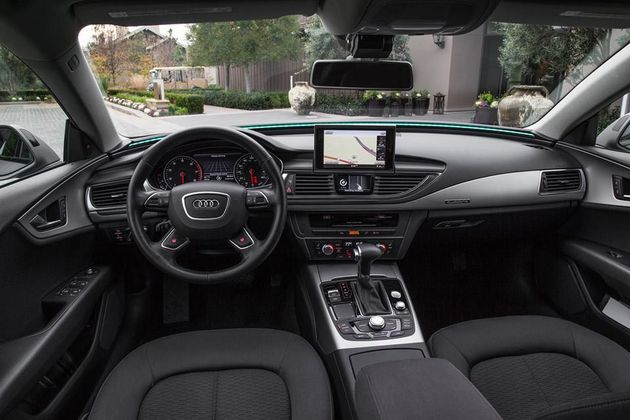 Audi-A7-piloted-driving-dashboard