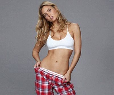Bar Refaeli is de nieuwe Go Daddy Girl voor de Super Bowl