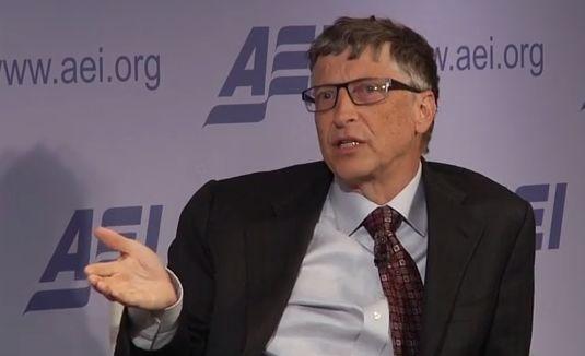 Bill Gates: 'Men heeft nog geen idee hoe snel ze door softwarebots vervangen worden'