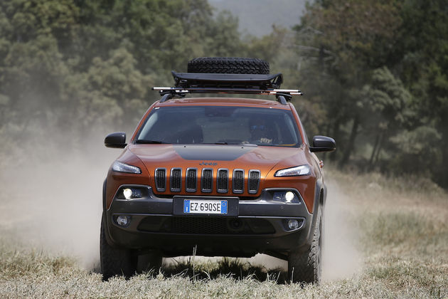 Camp Jeep_Cherokee_REd