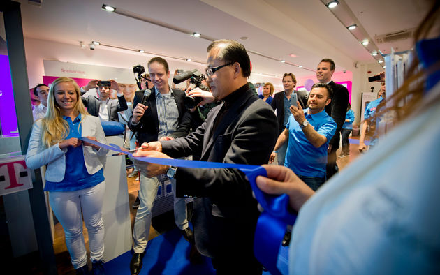 Drukte bij start verkoop van de Samsung Galaxy S4