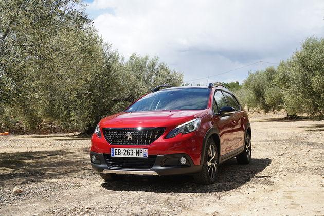 Peugeot_2008_2016_voorkant