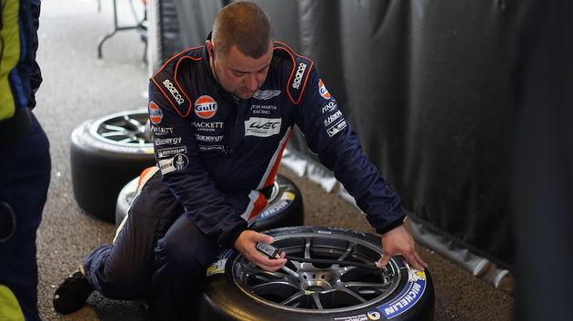 aston_martin_racing_Spa-Francorchamps_engineer