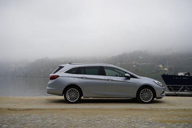 Opel_Astra_Sports_Tourer_6