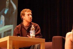 Facebook zet de tegenaanval in op Yahoo