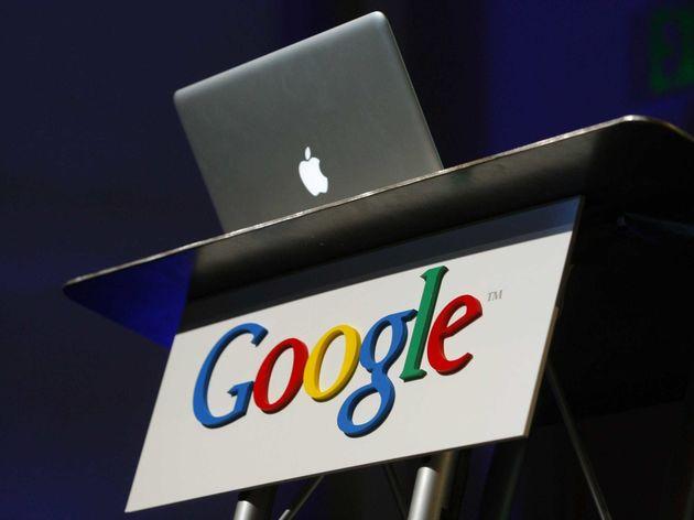 Google kijkt, Apple luistert
