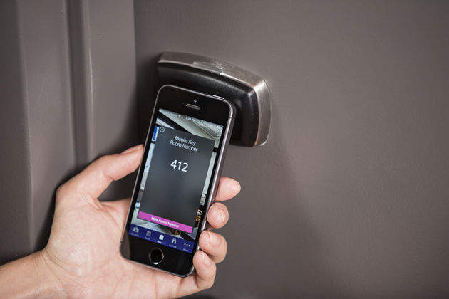 hotelkamer_openen_met_smartphone