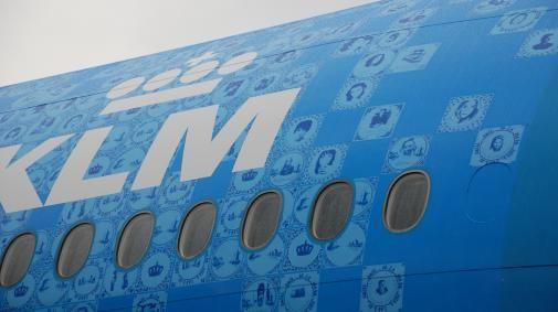 KLM onthult Delfts blauw vliegtuig