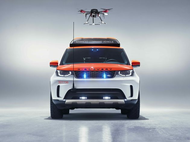 Land_Rover_Discovery_drone_red_cross_2