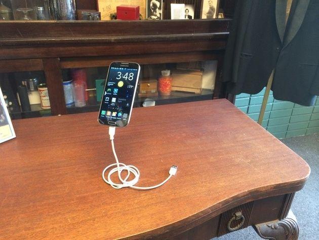 Meet Magic Phone stand: een gaaf Kickstarter project