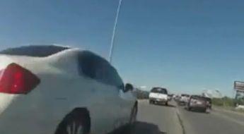 Motorrijder trekt met video op Facebook de aandacht van de politie