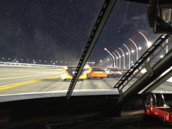 NASCAR-coureur moet 25.000 dollar betalen vanwege twitteren in de auto tijdens de race