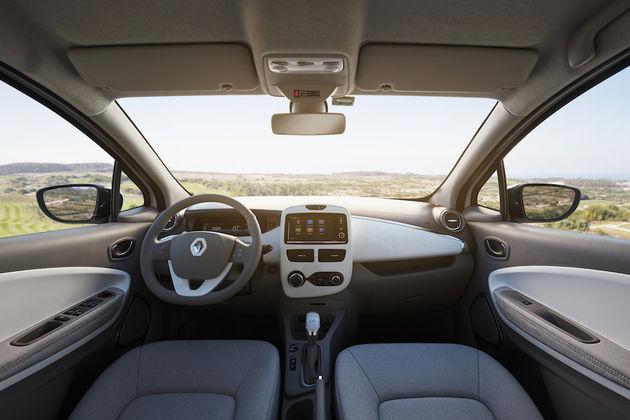 De nieuwe renault zoe verdubbelt rijcapaciteit naar 300 km for Interieur zoe