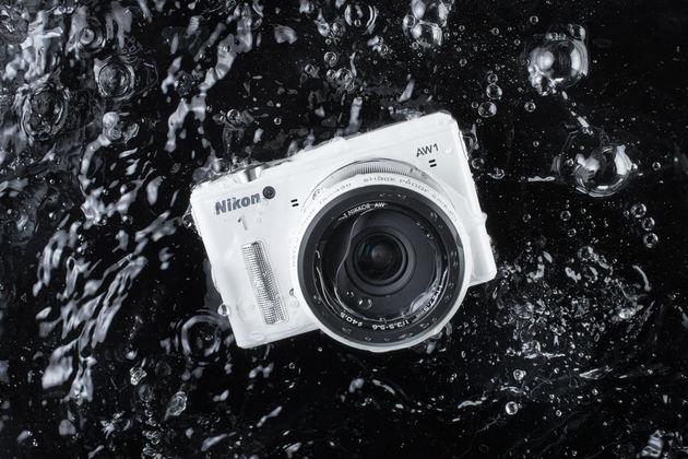Onderwater systeemcamera van Nikon komt bovendrijven