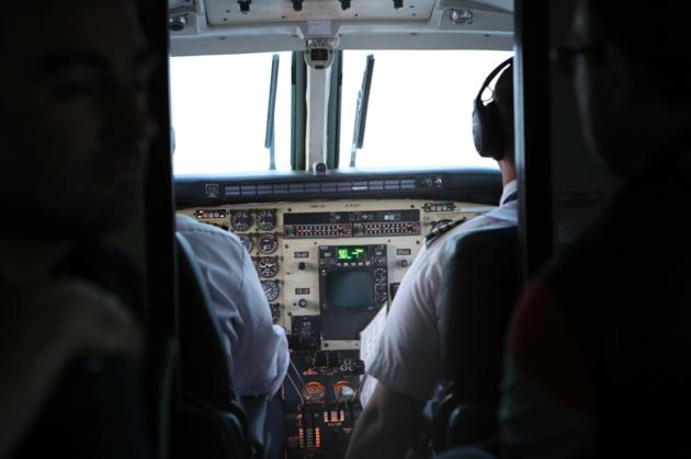 smartphone-in-vliegtuig