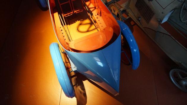 trapauto_bugatti_style