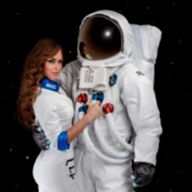 Axe stuurt jongeren de ruimte in