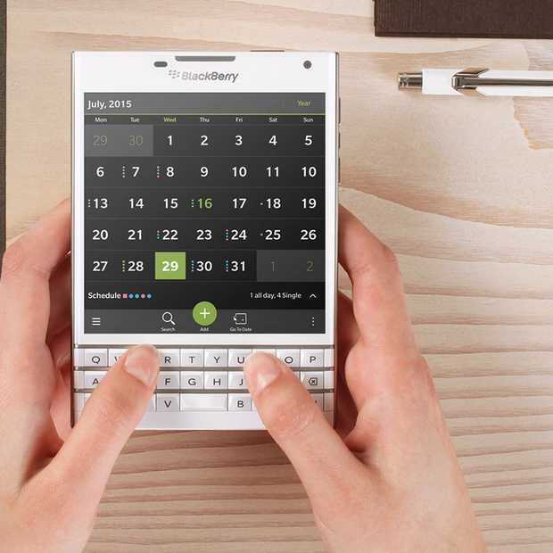 Blackberry probeert het nog één keer met de BlackBerry Passport