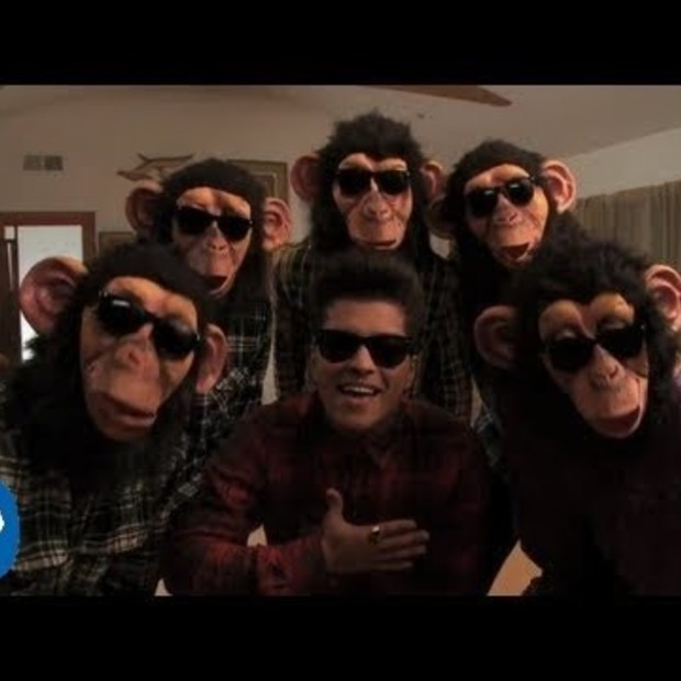 Weekend viral : Bruno Mars - The Lazy Song [Official Video]