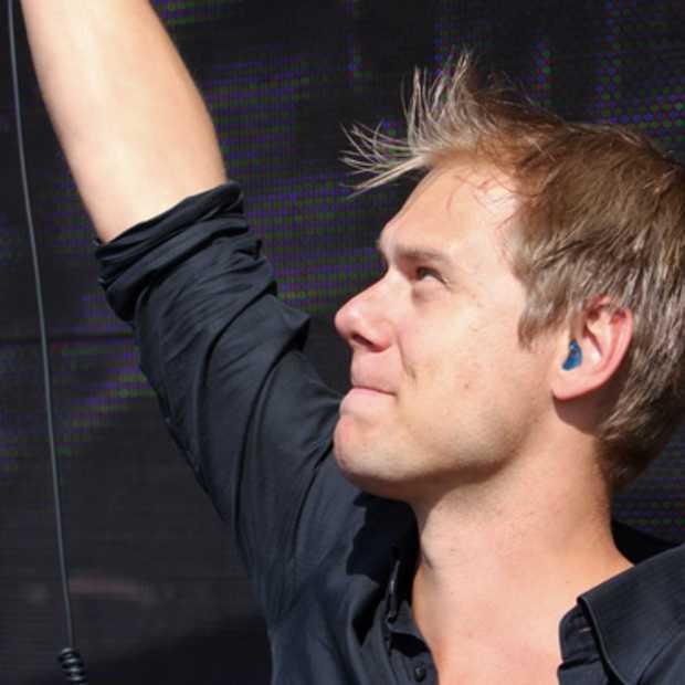 Carice van Houten geeft stokje over aan Armin van Buuren als gevaarlijkste Nederlander op internet