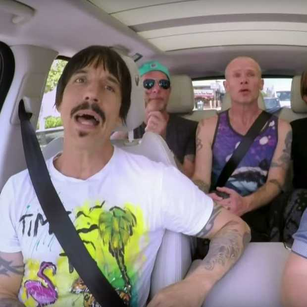 Nieuwe Carpool Karaoke met de Red Hot Chili Peppers