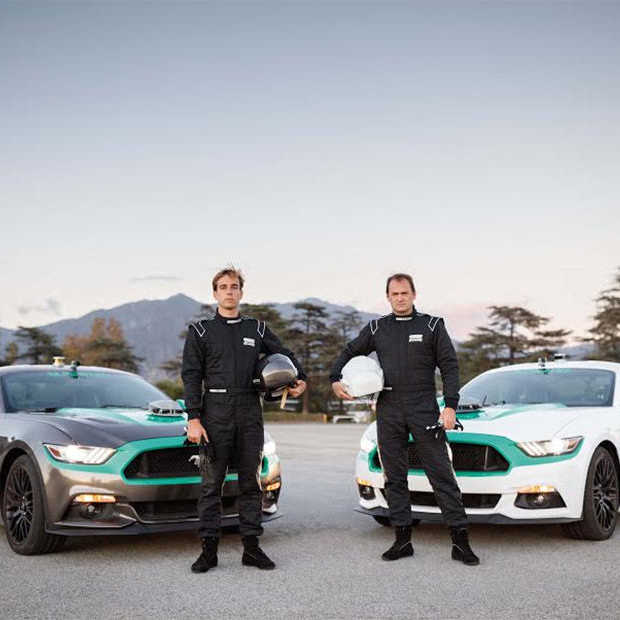 The Stig versus driftkampioen Powers