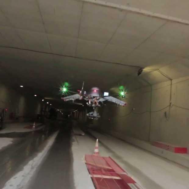 Met een Drone vliegen door de Noord/Zuidlijn in Amsterdam