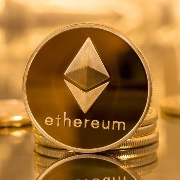 Cryptomunt Ethereum stijgt hard en gaat door $1000 barrière