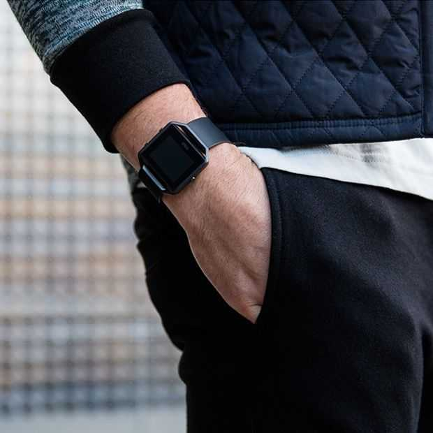 Fitbit's echte smartwatch komt dit najaar in de winkels