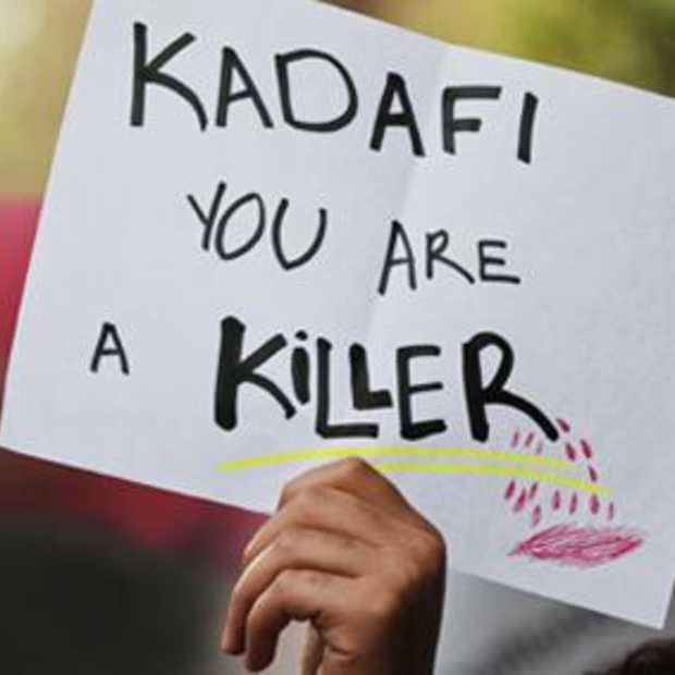 Geld via Twitter naar Kaddafi